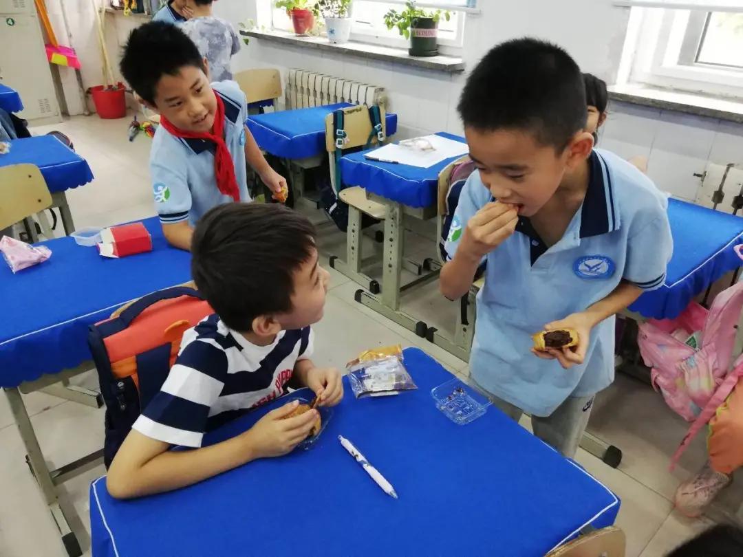 国安家和睦,月满人团圆!潍坊市育华学校中秋主题教育活动