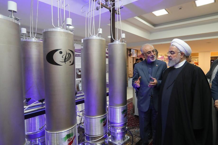 又是摩萨德干的?伊朗战机坠毁,军舰沉没,核设施被炸,接连出事