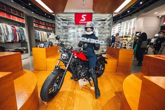当Honda遇上咖啡店与潮牌店,这波跨界颠覆你想象
