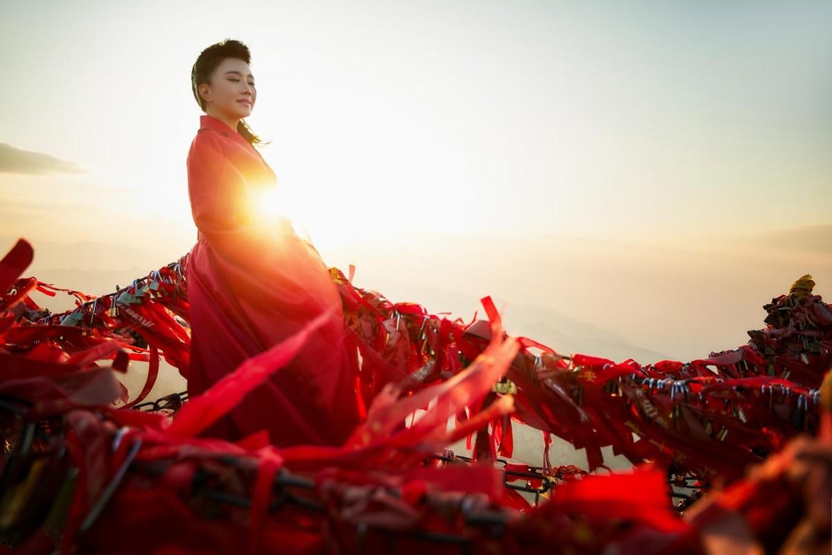 最纯朴女中音刘子旗公益歌曲《秦岭》,歌唱时代最美新篇章插图(3)