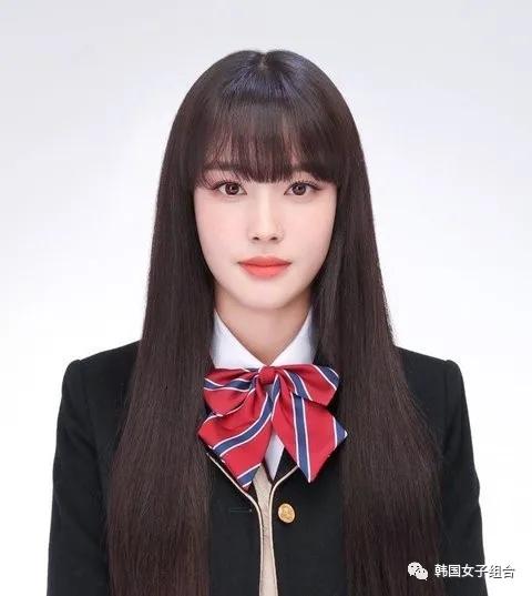 韩网友眼中,这位女团爱豆的初中、高中毕业照像变了个人