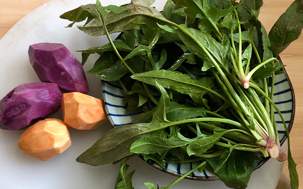 快過年了,蒸點五彩蔬菜饅頭過新年,鬆軟香甜,多彩多姿寓意好