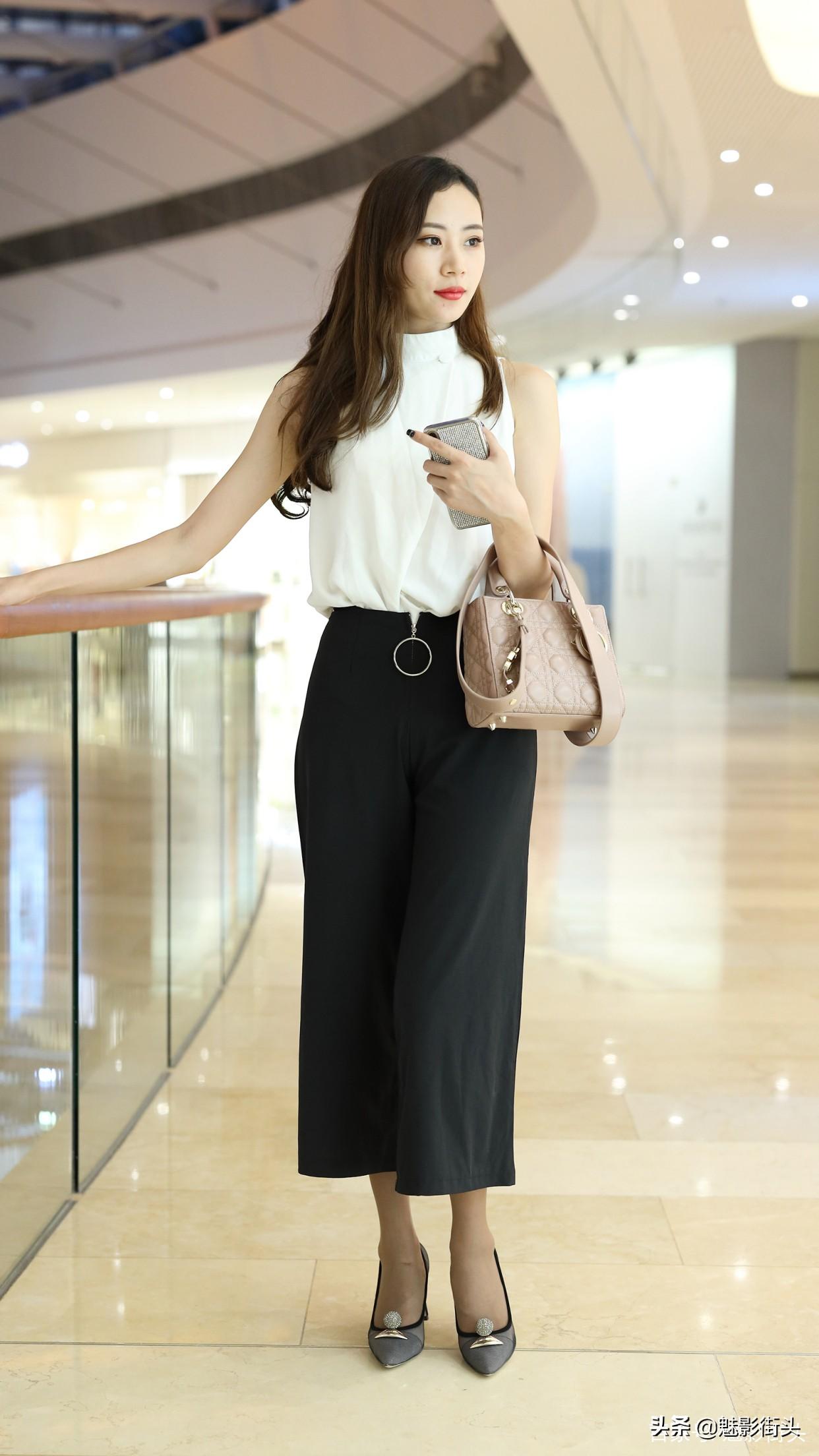 春天的长裤怎么选?多穿阔腿裤,搭配尖头细跟鞋,时髦又显瘦
