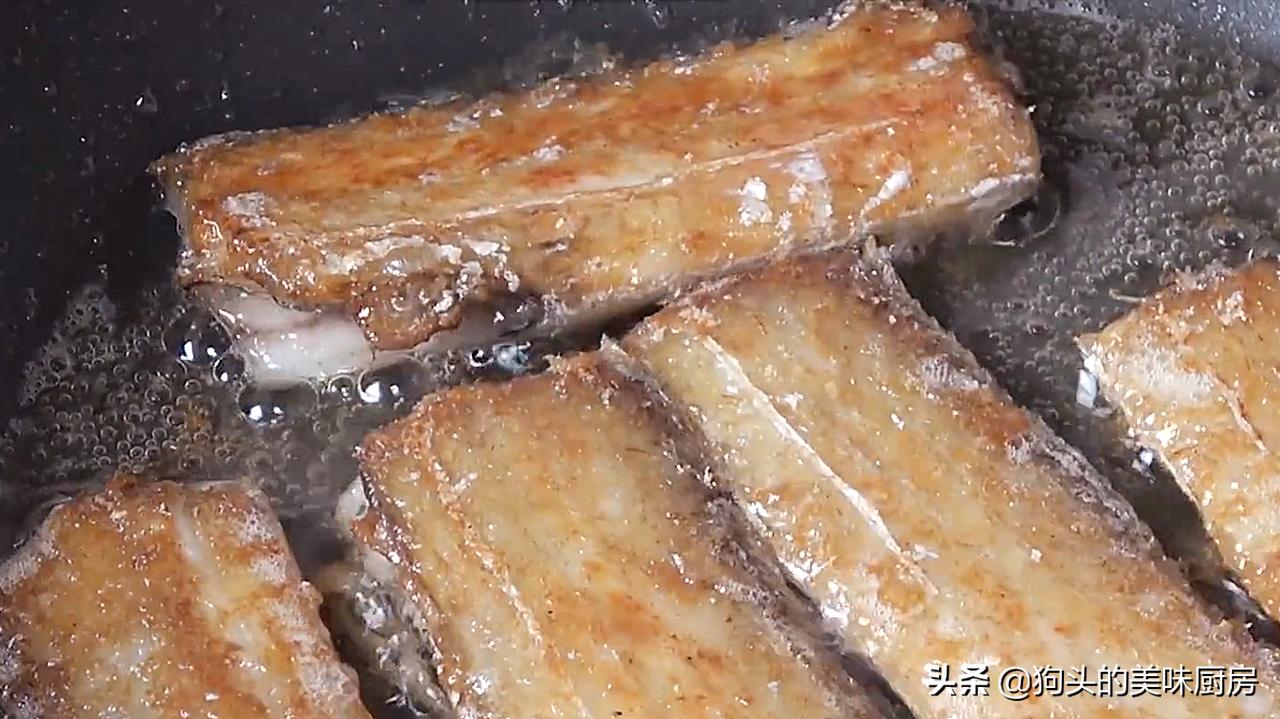 我家带鱼从不油炸,用这个做法又香又酥,不腥不腻,下饭必备