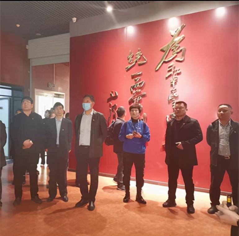 邳州运河国士所和省地质研究院党员结对赴王杰家乡寻根红色基因
