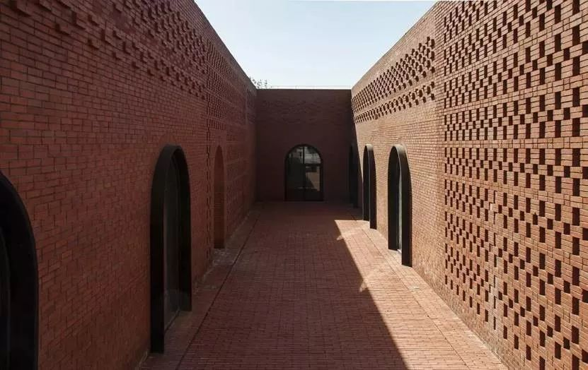 什么是红砖?原以为只能用来砌墙,作为建筑外墙却如此之美