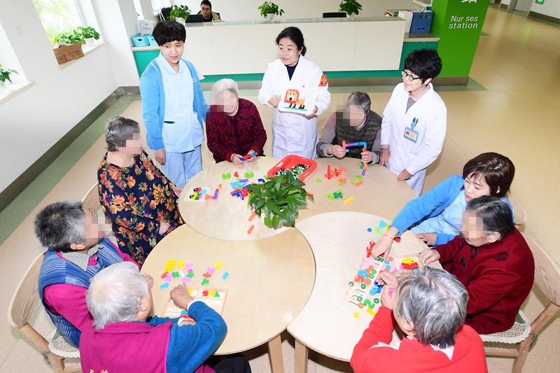 """沈阳市卫生健康系统""""人才建设年、科技创新年、基层提升年""""建设成果之沈阳市精神卫生中心工作纪实"""
