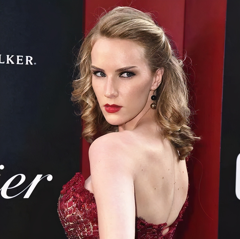 十八线无名女演员,如何搅得好莱坞天翻地覆?
