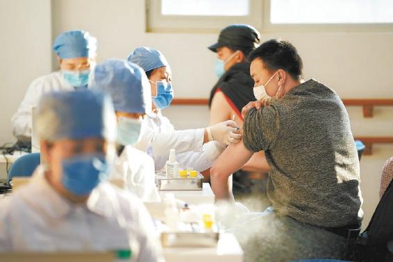 北京九类重点人群两天接种新冠疫苗7万余剂,未发生严重不良反应