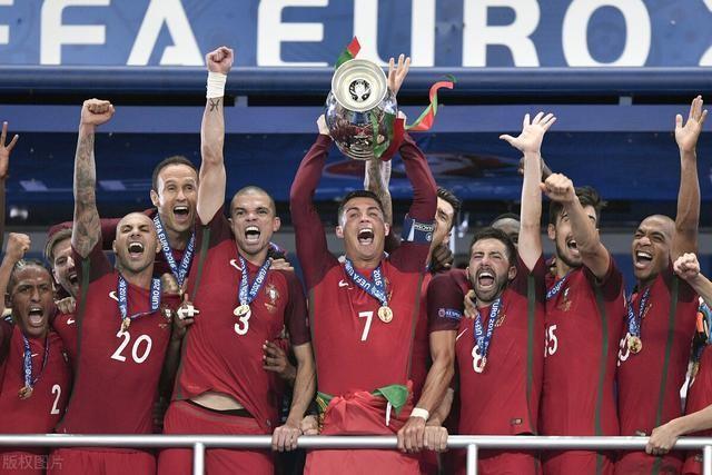 欧洲杯巡礼(六)葡萄牙:C罗最后一届欧洲杯,卫冕之路荆棘遍布