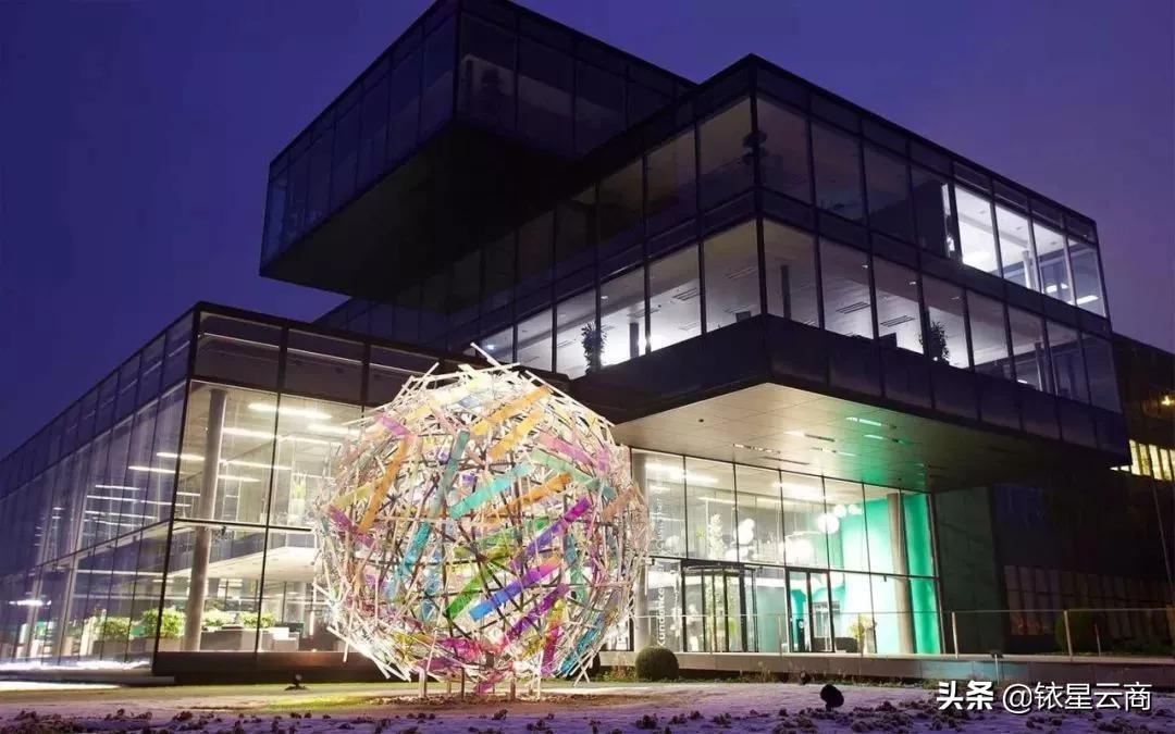 这些购物中心引入了装置艺术,经济价值和品牌形象大大提升…