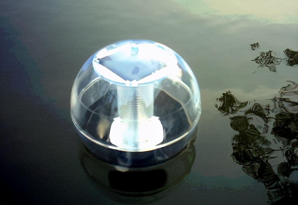 诱虫灯为水产养殖降低成本,有利有弊,尤其帆布鱼池要注意几点