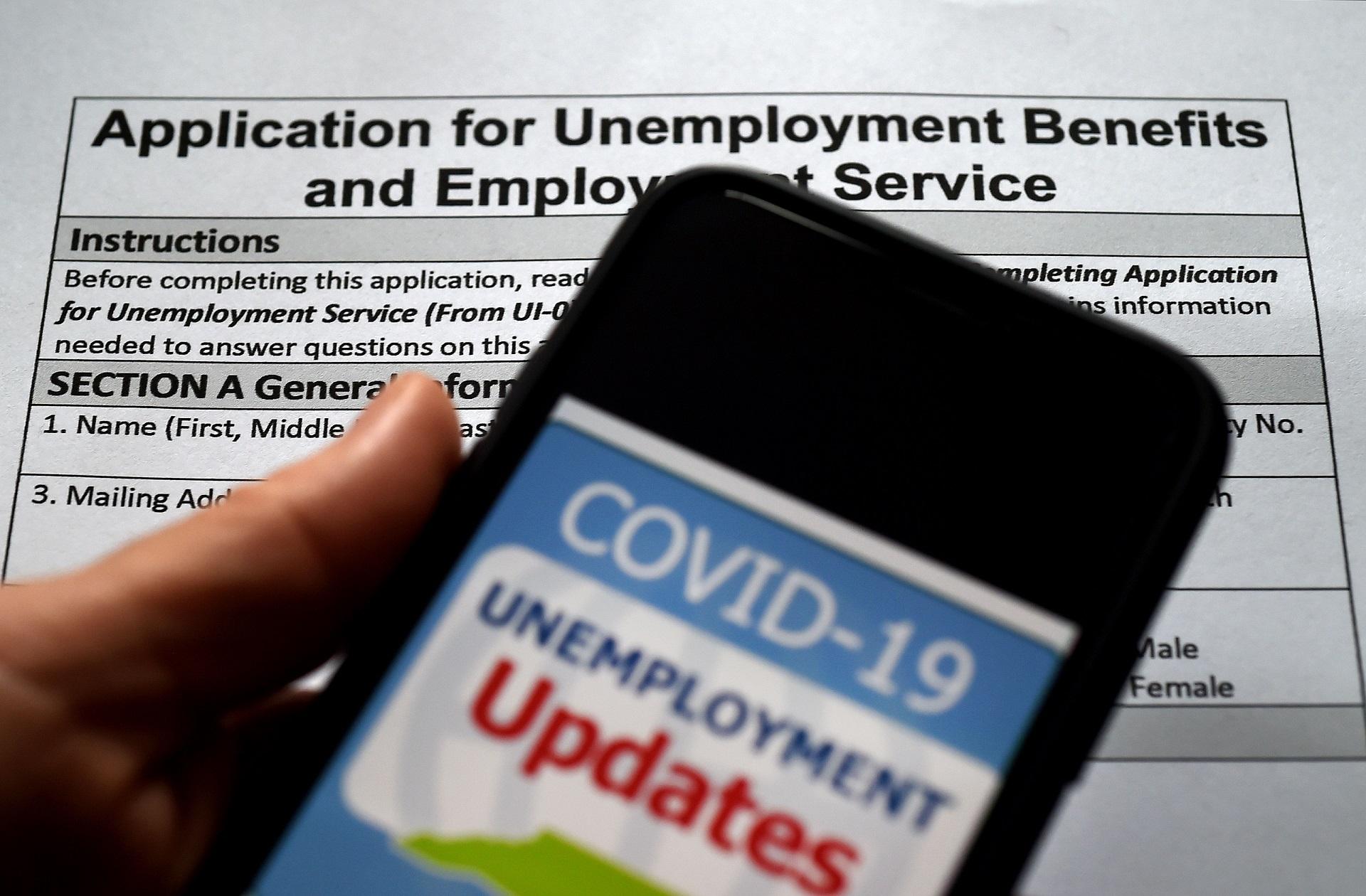 美国首次申请失业救济的人数在一周内上升到77万
