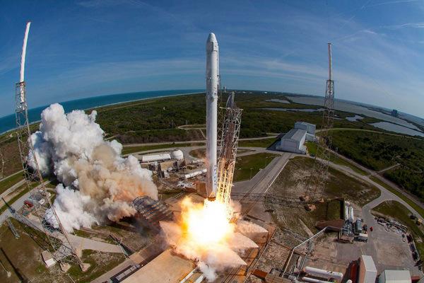 马斯克旗下SpaceX融资19亿美元,估值达460亿美元