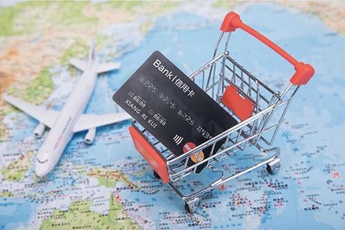 银行信用卡额度对比!最应该办的5张信用卡有这些!