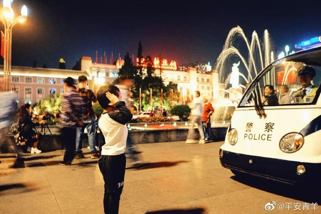 刚刚官宣:天府广场10月1日7:50举行升旗仪式,等不及的成都人快看进来!
