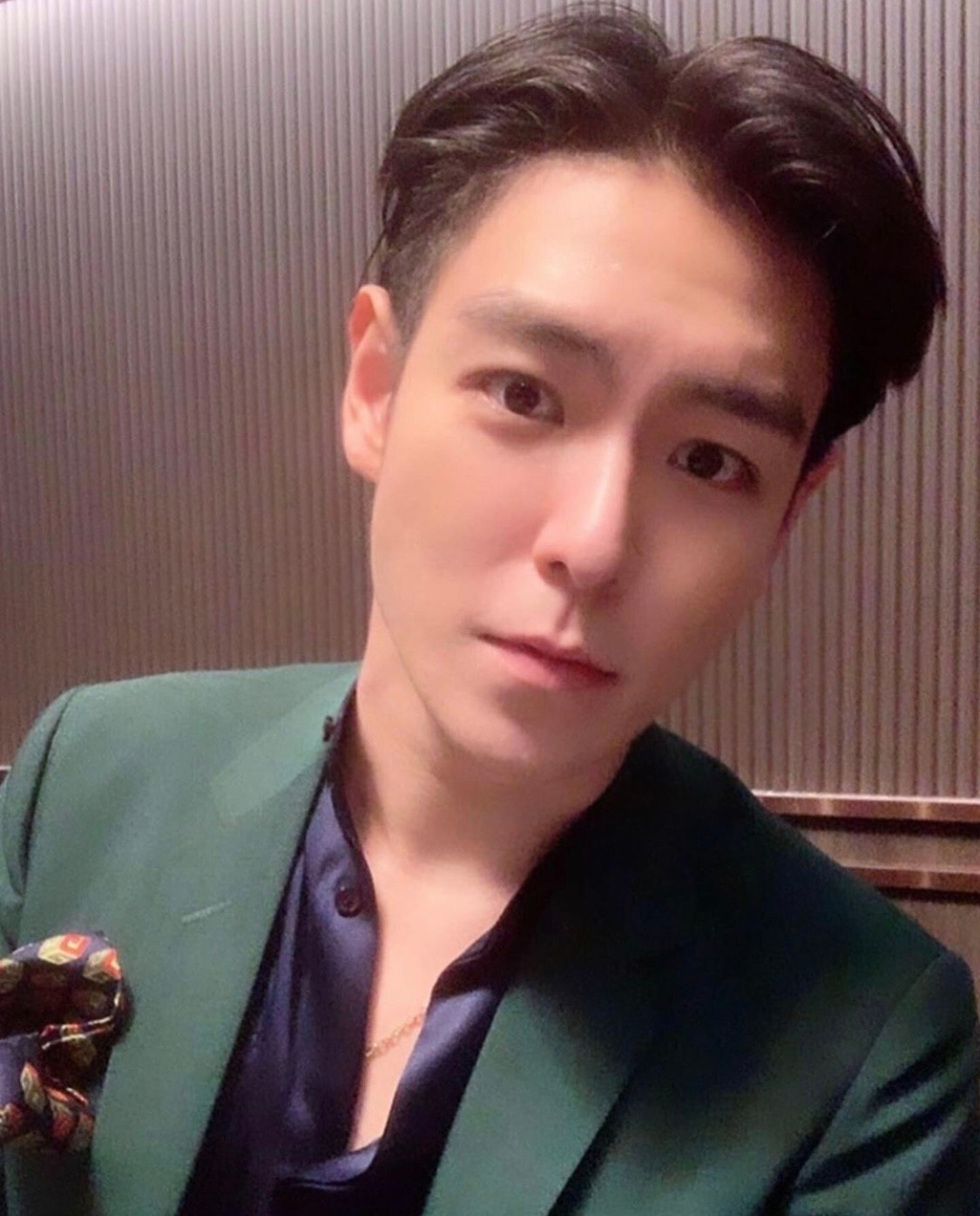 Big Bang成员TOP生日开Party!更有GD同框送祝福
