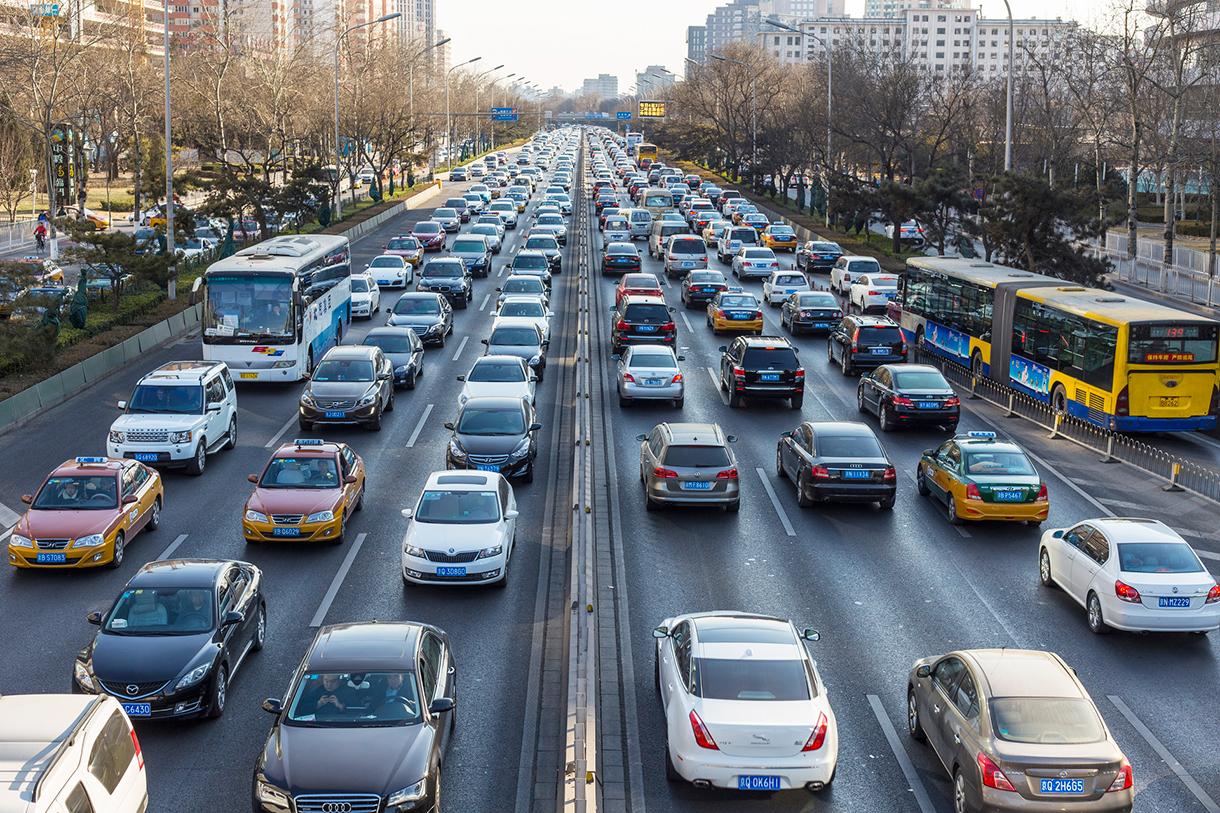 """车市周""""数""""评丨中汽协预测今年我国汽车销量将达2530万辆,法院裁定特斯拉赔偿维权车主113.91万元"""