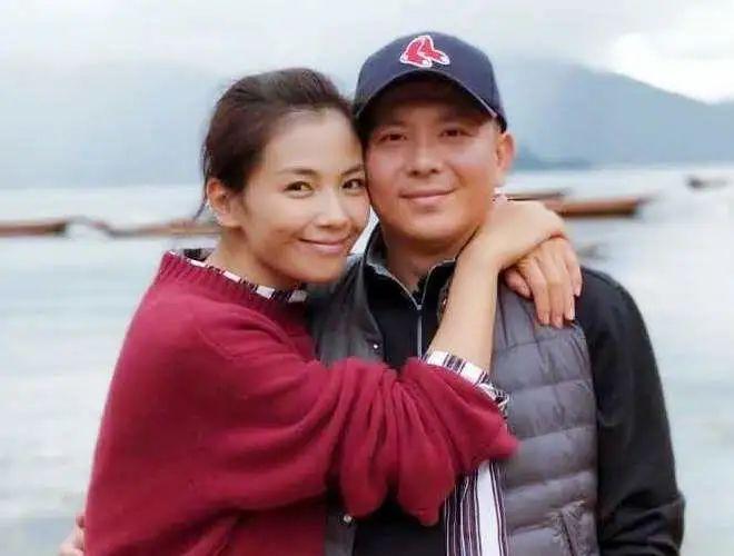 三月传离婚,九月传巨亏,他俩算是躺枪夫妇吗?