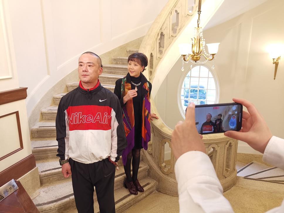 茅善玉首位第一场沪剧网上沉冰封式感受巡回演出歌唱,有着你钟爱的沪剧名牌明星吗?