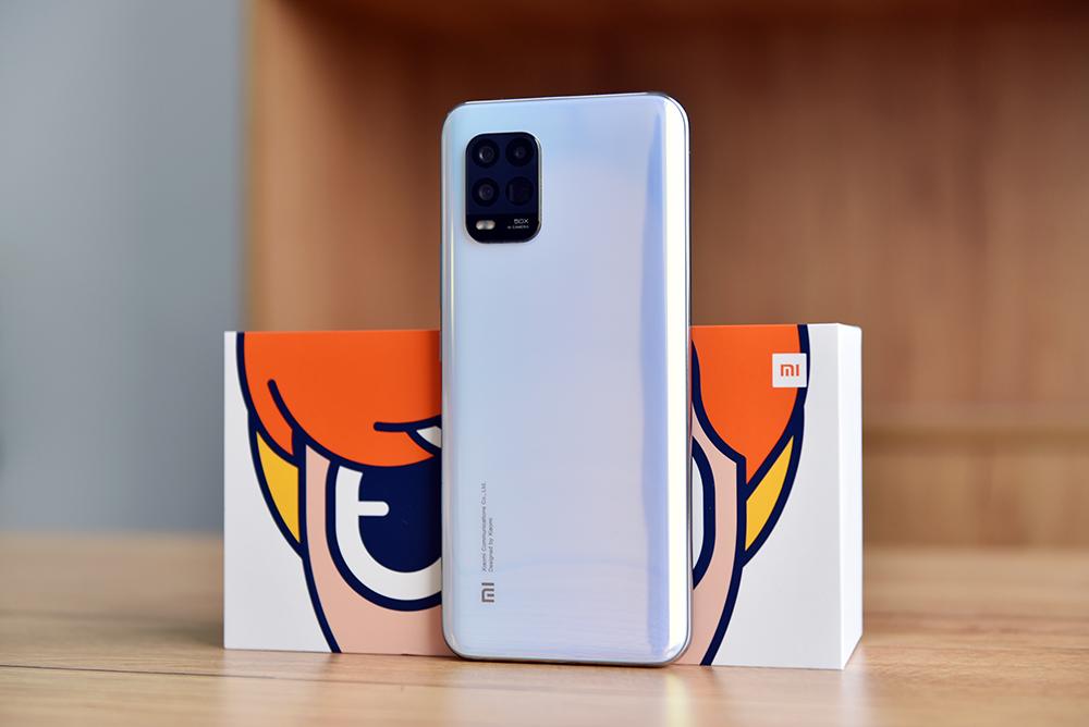 轻巧多姿多彩5G手机上 小米10青春版拆箱