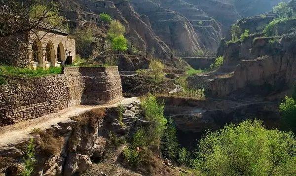 贾平凹:致陕北黄土高原