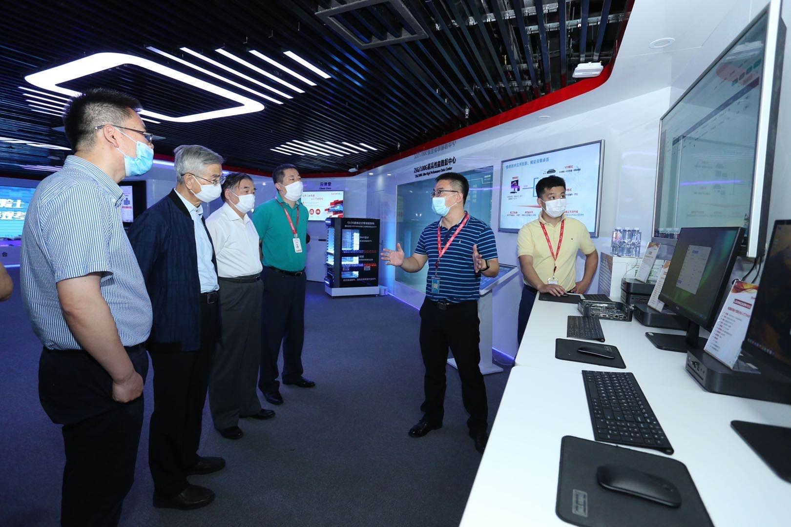 倪光南院士:云桌面和PC在性能和体验上几无差别