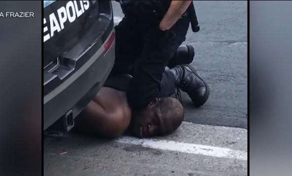 黑人遭美警察跪压锁脖7分钟致死,当地爆发大规模抗议