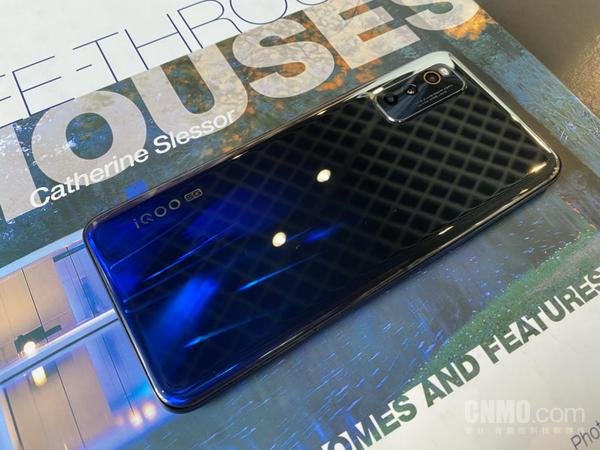 5G性价比高手机怎么选?iQOO Z1满足你的全部必须