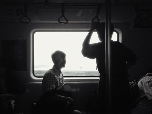 地铁里的神仙拍照技巧你解锁了吗