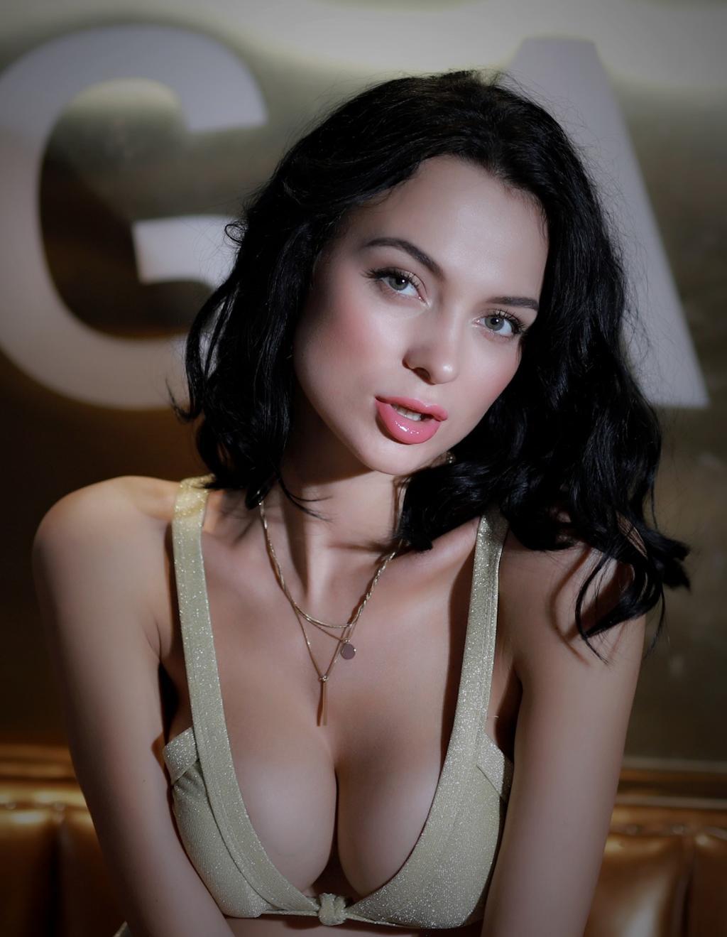 酒店卫生间里我征服了她 极品美妇从此就成为了我的情人