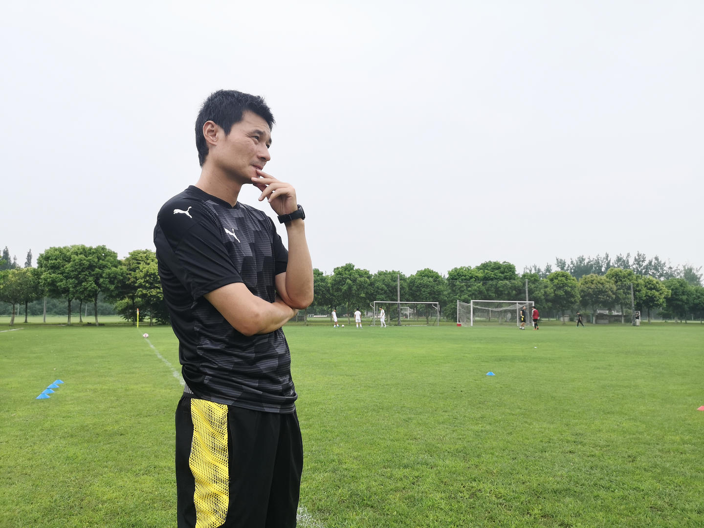 最新:李毅停职一周!汪嵩火速补充进入教练组