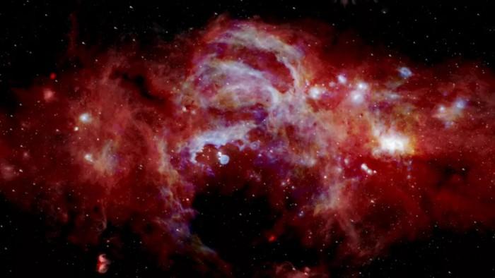 银河系中心发射出神秘气体云-第1张图片-IT新视野