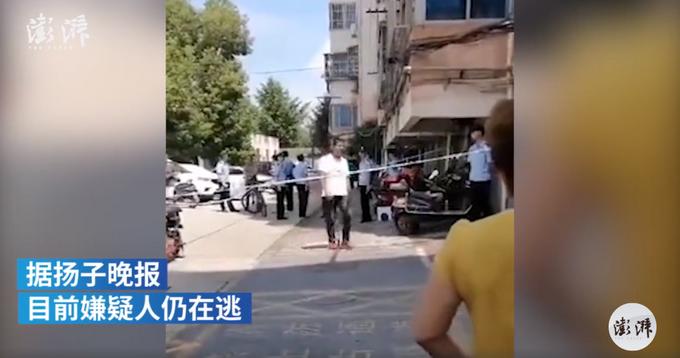 江苏镇江一10岁男孩在小区内遇害,嫌疑人在逃