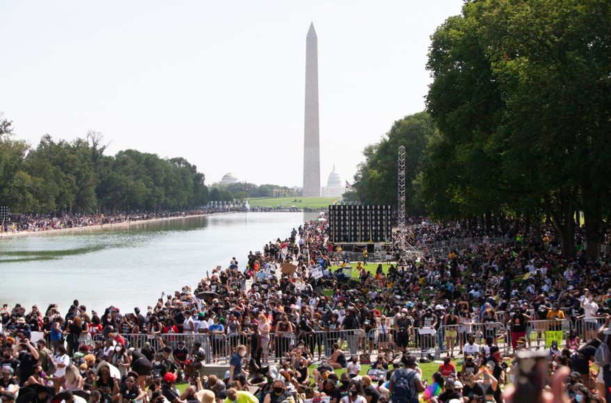 """华盛顿爆发大游行 数万民众抗议""""美国噩梦"""""""