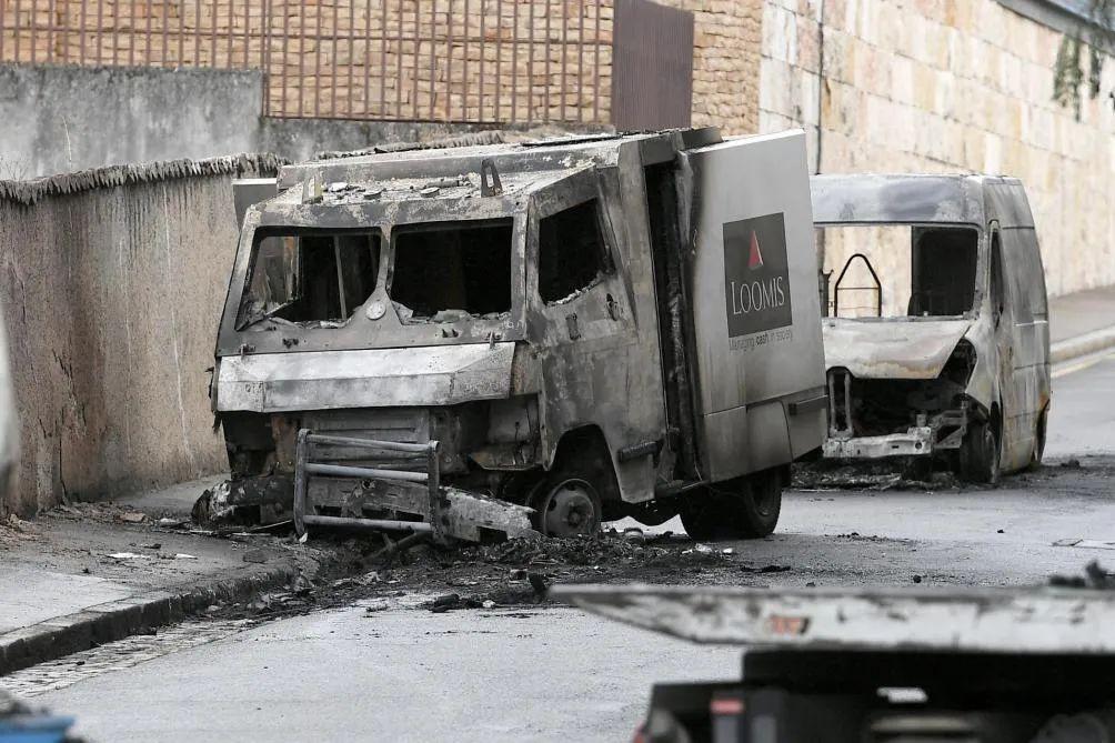 「社会」里昂运钞车在市中心遭抢劫,九百万欧元被盗