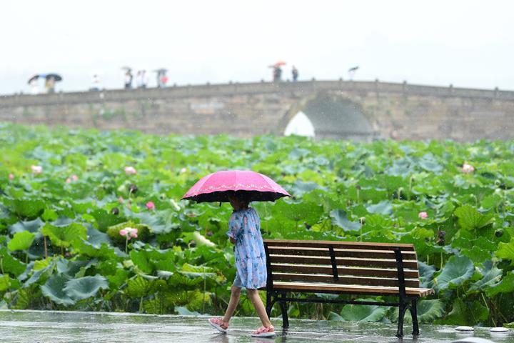 """""""美莎克""""升级为超强台风,宁波舟山绍兴部分地区中到大雨"""