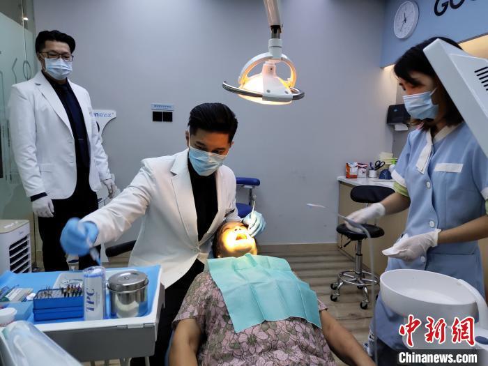 前台湾偶像歌手在成都当牙医:我只是从一个家回到另一个家