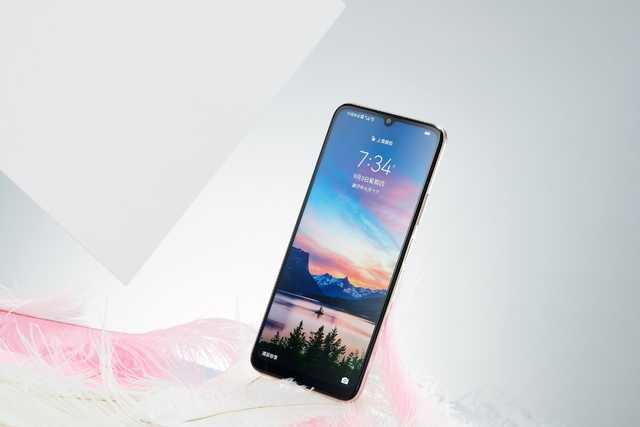 华为畅享20年轻人的5G手机,双模五频5000mAh大电池