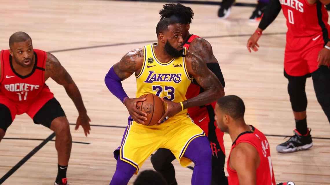 詹姆斯談轉身上籃:這個動作我用起來得心應手!隊友格林盛讚:就像Parker一樣,無法阻擋!-黑特籃球-NBA新聞影音圖片分享社區