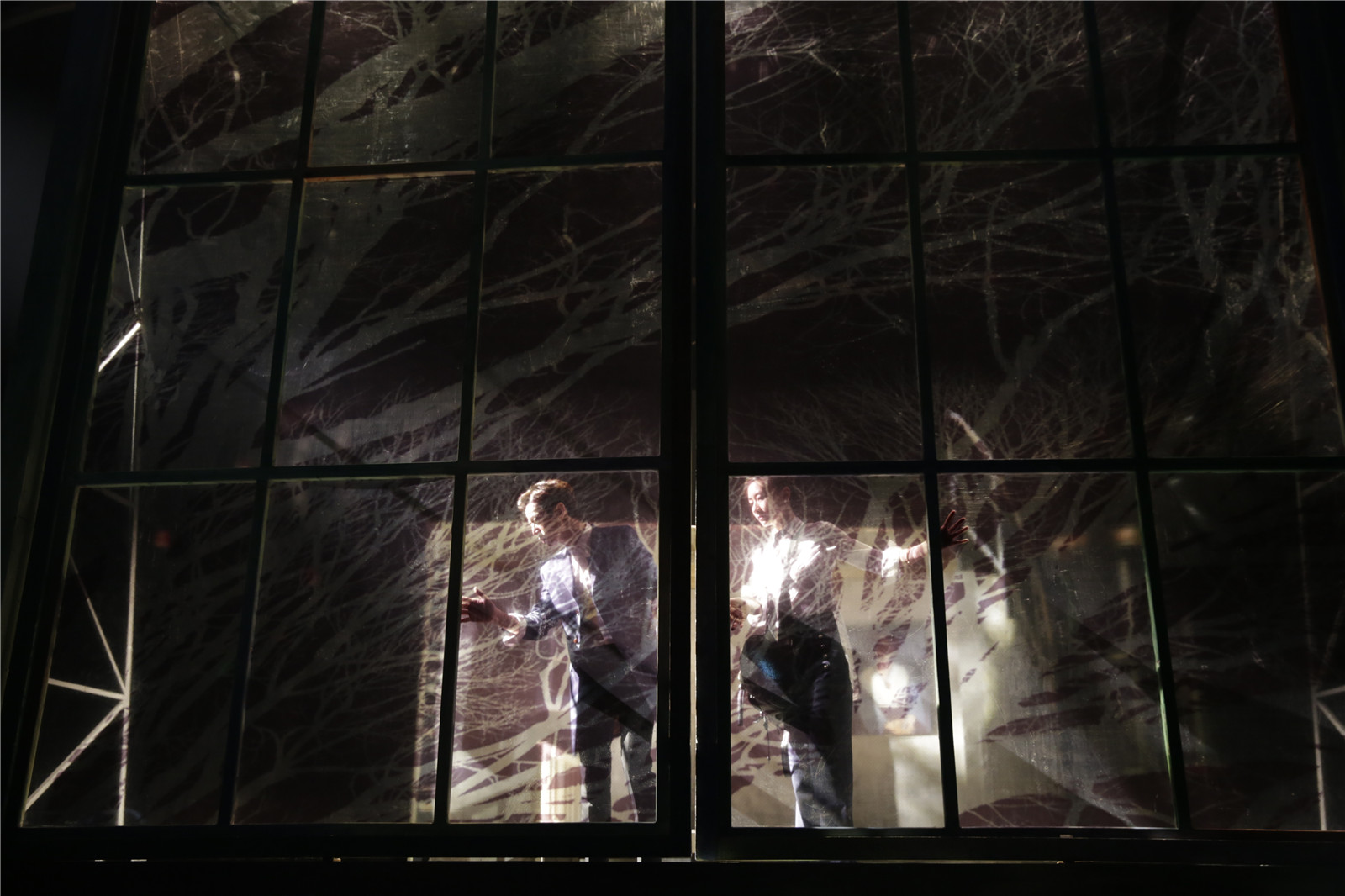 赖声川舞台剧《水中之书》制作成戏剧影像,何炅主演10月上映