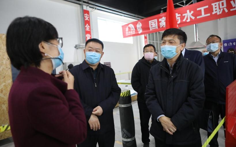 专访北京人社局局长徐熙:应对疫情,北京稳住了就业基本盘