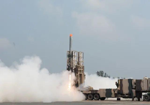 """印媒:印度首次针对中国部署""""无畏""""巡航导弹,可打击西藏目标"""