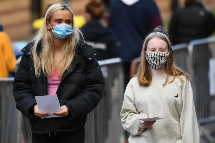 """超1.5万例新冠病例未及时上报 英国政府说""""不会再犯"""""""