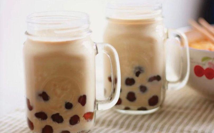 深秋和奶茶最配 怎么喝才健康 跟营养师学习自制奶茶吧