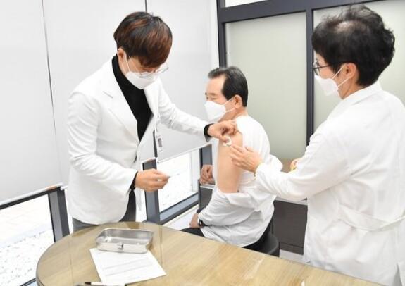 韩国28人接种流感疫苗后死亡,韩总理已经接种