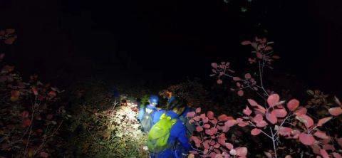 北京一家六口深夜被困,男子登山失踪十天救援无果!秋季赏红叶这点一定要注意