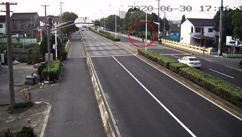 闯红灯、违法驶入机动车道……这6起交通事故,行人与骑车人全责