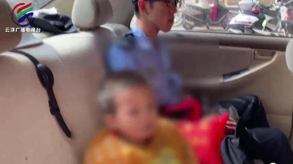 2岁男童独自搭网约车从广西到广东,同车人无一察觉