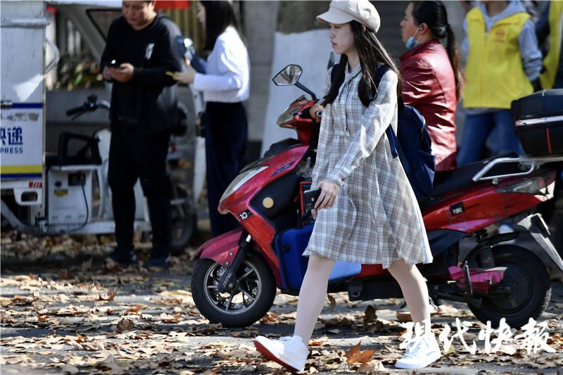 破纪录!南京刷新11月中旬历史最高温,中午12点气温达28℃